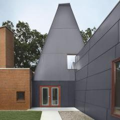 Frank Gehry's Winton Guest House at Auction with Wright