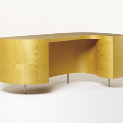 Plywood desk by Jasper Morrison