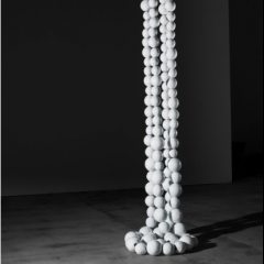 Double Collier blanc -  Jean-Michel Othoniel, Wright
