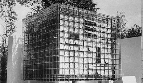Oskar Hansen, Lech Tomaszewski, Stanisław Zamecznik, Design for the Zachęta gallery extension, a model, 1958. (Courtesy of the Stanisław Zamecznik Archive, Museum of Modern Art in Warsaw)