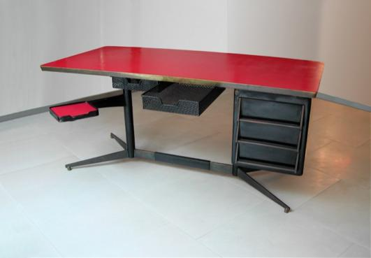 Galleria Rossella Colombari_Desk by Gio Ponti in 1955