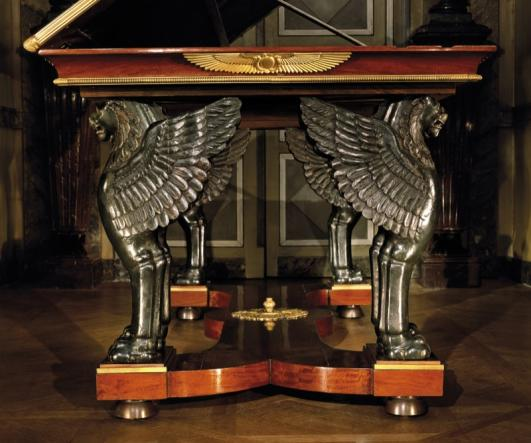 Steinitz Paris: ''Rack and pinion'' desk- table from the collections of the ''Villa Reatle'' in Martia, Italy, the residence of Elisa Baciocchi, sister of Napoleon I, Princ by Jacob Brothers 1800