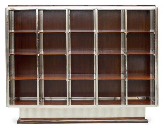 JACQUES-EMILE RUHLMANN (1879-1933) Bibliothèque Ebène de Macassar, acajou et Bronze chromé (le chrome postérieur) Référencé… 100,000 - 150,000 €
