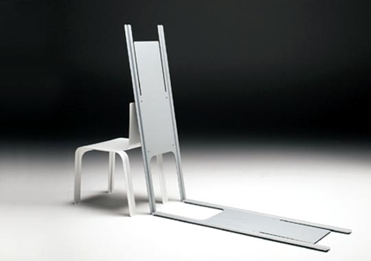 Thin Chair by Junio Design