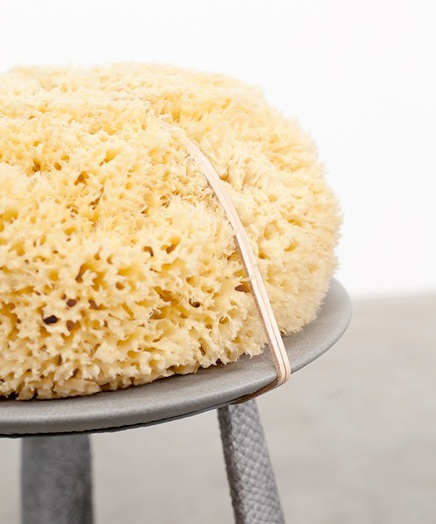 Salmon stool: Fendi discarded leather, vegetal tanned salmon skin, wood, sea sponge  (Detail)
