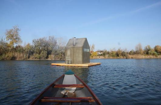 H3T Architekti's Floating Sauna