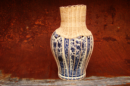 CenterPIECE vase by Daniel Hulsbergen