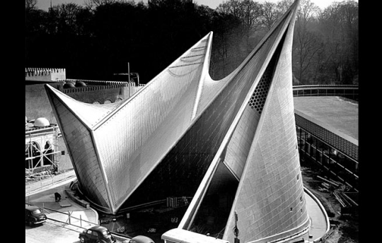 Le Corbusier, Phillips Pavillion at the World's Fair in Brussels, 1958 ©FLC, Paris and DACS, London 2009