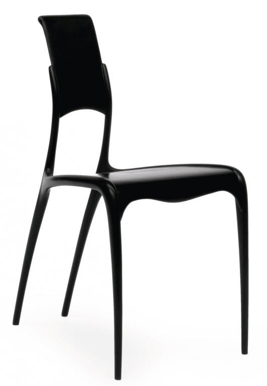 POL QUADENS (NÉ EN 1960) Chaise modèle «C 06» Fibre de carbone Dernière d'une édition de 1000 entre 1997 et… 2,000 - 2,500 €