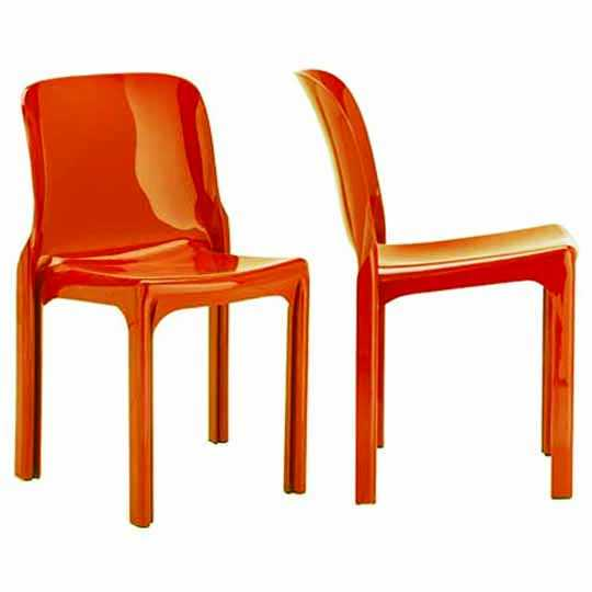 'Selene' chair by Vico Magistretti, Produced in 1969, one of the first one-piece plastic chairs in design history.