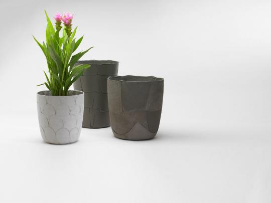Earlier work with the material: 'Tiles (pots à fleurs)'
